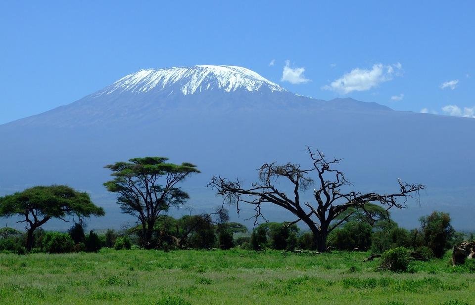 Trekking sul Kilimangiaro: un'esperienza unica e indimenticabile